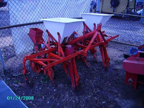 Covington Double Row Planter With Culivator Picture
