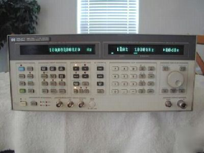 Hp - agilent 8643A synthesized signal generator w/opts