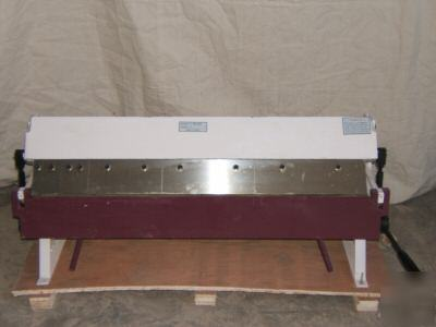 Small 3 foot box pan sheet metal brake steel bender